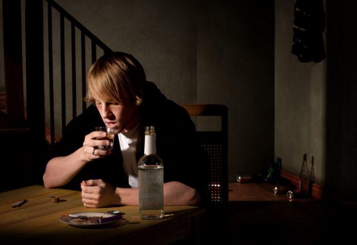 1 av 10 dødsfall kan skyldes alkohol